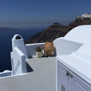white house on Santorini