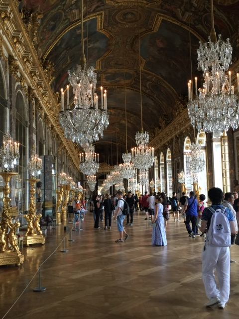 hall-of-mirrors-inside-palace-of-versailles