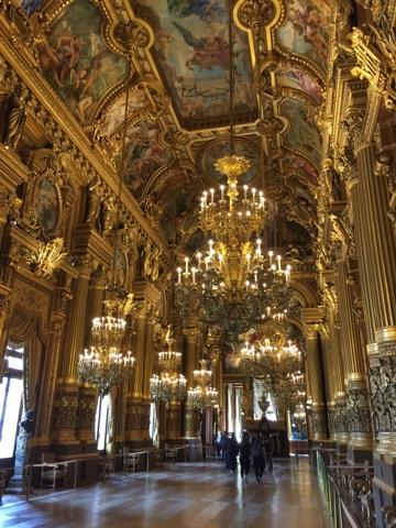 stunning-room-inside-garnier-opera-house