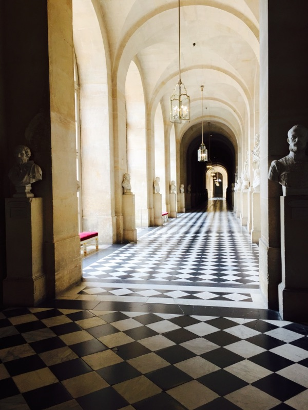 pop-of-pink-inside-palace-of-versailles
